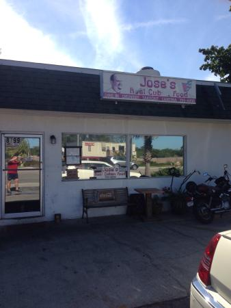 Jose's Real Cuban Food: Shabby chic?