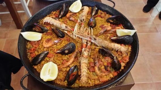Paella de pescado picture of casa do pulpo el arenal - Paella de pescado ...