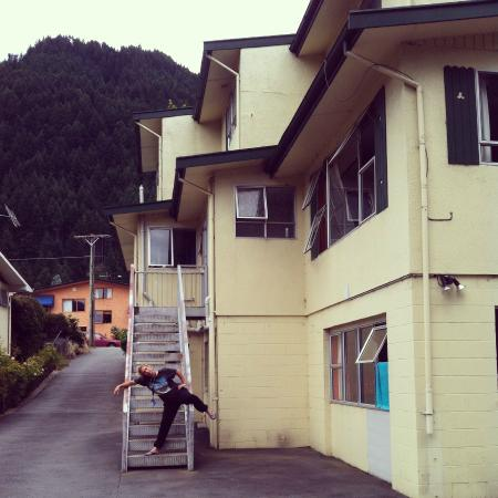 Flaming Kiwi Backpackers: Home away from home with a Canadian who wouldn't leave