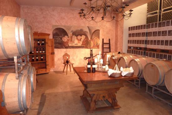Zeil am Main, ألمانيا: Weinkeller der Martinsklause