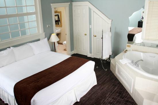 The Great George: Romantic Hideaway Suite