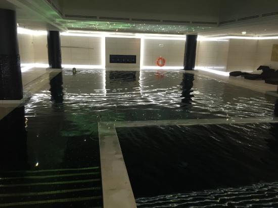 pool hot tub bild von the ritz carlton moscow moskau. Black Bedroom Furniture Sets. Home Design Ideas