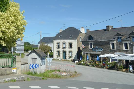Saint-Martin-sur-Oust, France : lo stabile