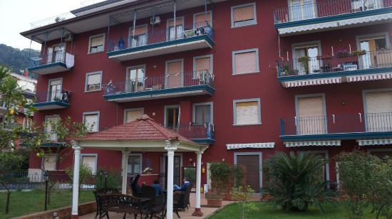 Green House Sorrento: Edificio onde está localizado o hotel (andar terreo)