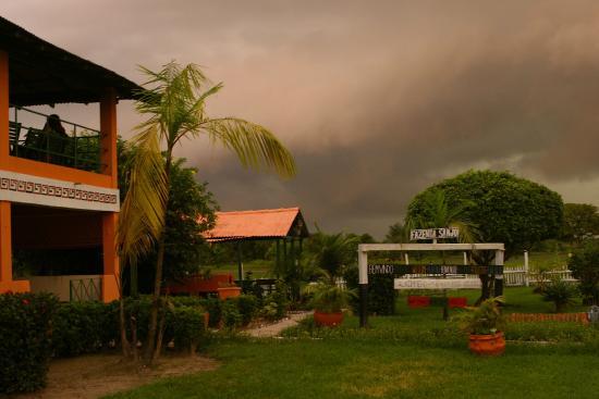 Fazenda Sanjo : sede da fazenda, antes da chuva