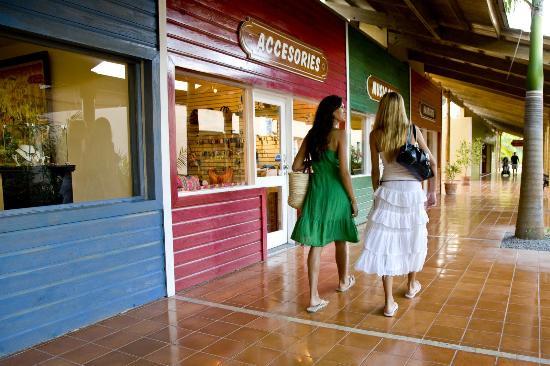 Catalonia Bavaro Beach, Casino & Golf Resort: Catalonia Bavaro Beach -  Boutiques