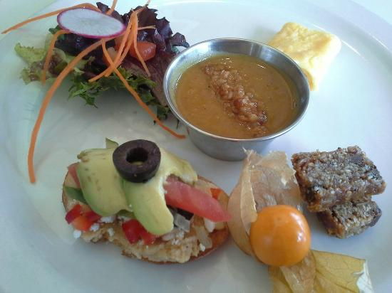Sechelt, Canada: Carrot and Bean - a breakfast destination on the coast!