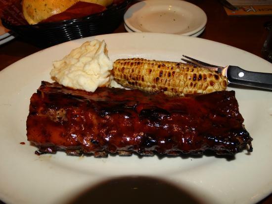 Wood Ranch BBQ & Grill: Costela de porco no BBQ tamanho