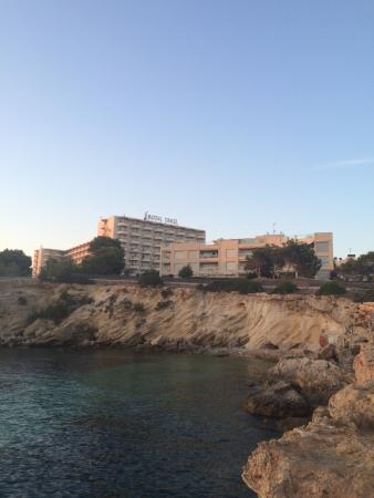 Fiesta Hotel Tanit: Hotel and pool