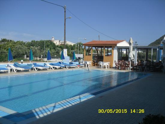 Andreas Studios and Apts: Pool view