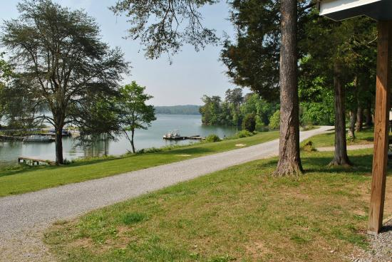 Piney point resort campground reviews spring city tn for Piney shores resort cabine