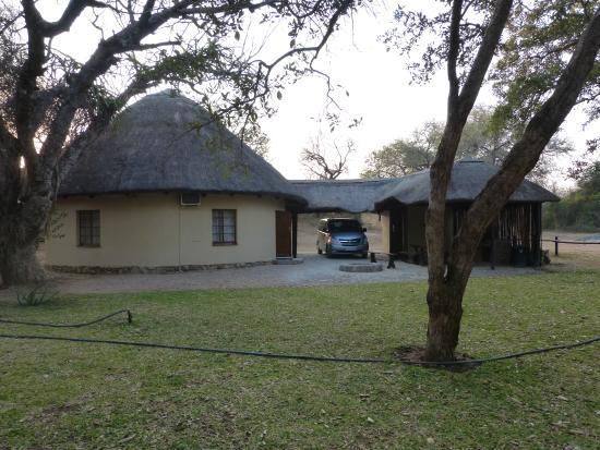 Bushriver Lodge: Marula Rondavel