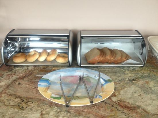 SeaCoast Inn: Café da Manhã simples