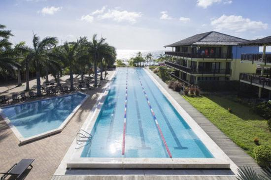Lions Dive & Beach Resort Curacao: 50 meter sports pool