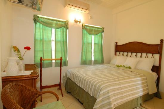 Deyna's City Inn: En-suite