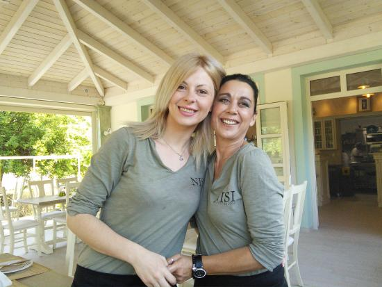 Restaurant NISI Island : Chrstina and one of her team