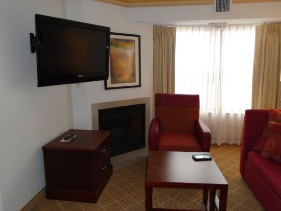 Residence Inn Kansas City Overland Park: Living Area