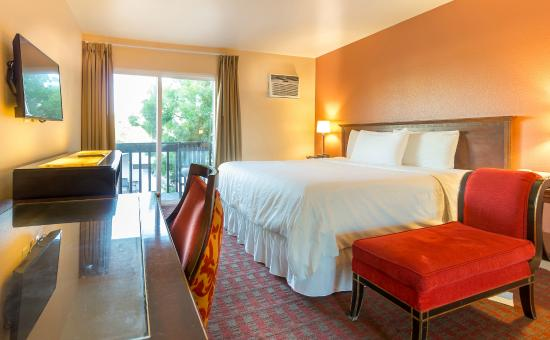 Photo of Lemon Tree Hotel and Suites Anaheim