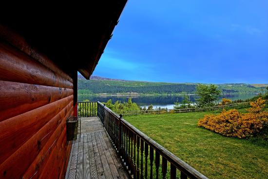 Lodges on Loch Ness: Around the outside