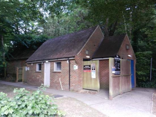 The White Horse: The washrooms are located in the free car park