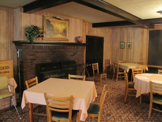 Sayner, WI: Dining room