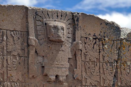 foto de tiwanaku la paz deidad de los b225culos puerta