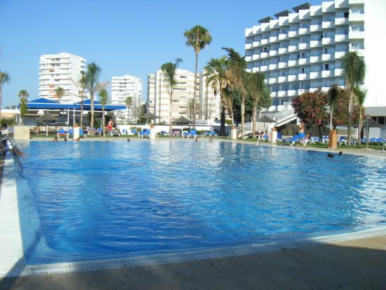 Piscina del hotel picture of hotel puertobahia spa el for Piscina municipal el puerto de santa maria