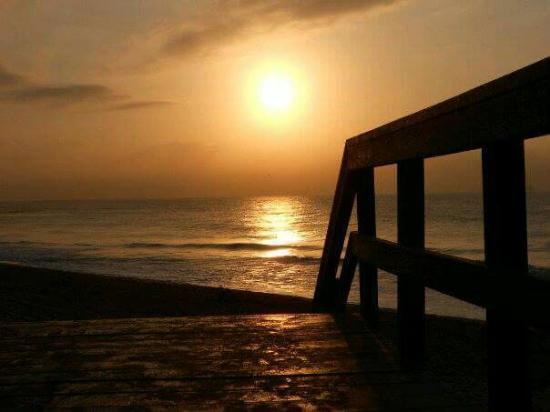 Breakers Resort: Sunset4
