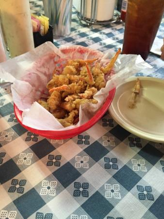 Riverside, AL: Crab Claws