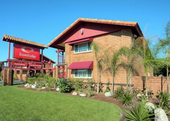 Econo Lodge Inn & Suites Near LEGOLAND Photo