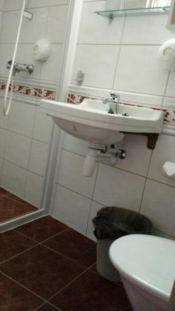 Hotell Utsikten: Bathroom