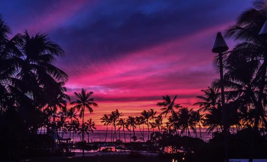 Fairmont Orchid, Hawaii: actual colors no filters here, amazing sunset, viewed from the patio