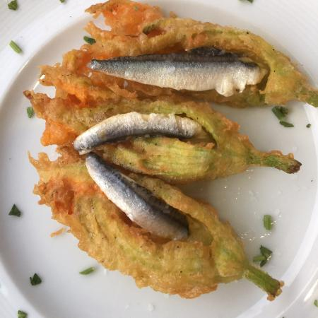 Zucchini flowers and anchovy (in season)