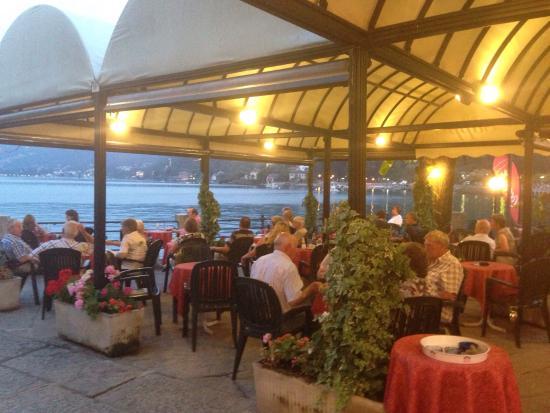 Cafe Cliipper Bar: Bar Clipper by night .. Estate 2015