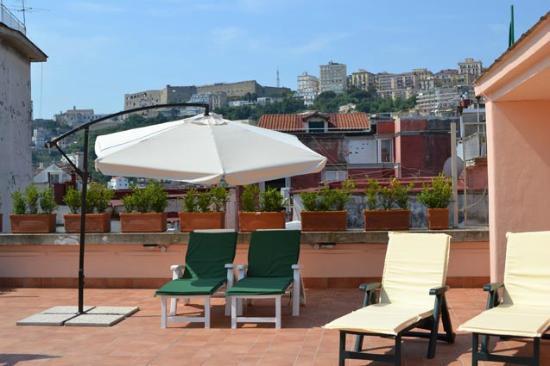 L'Agrumeto Bed & Breakfast: Vista castel Sant'Elmo