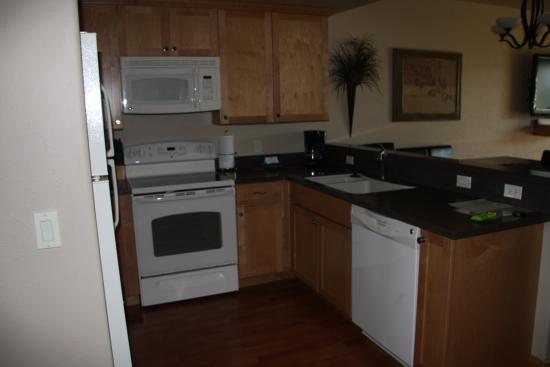 Columbia Falls, MT: kitchen