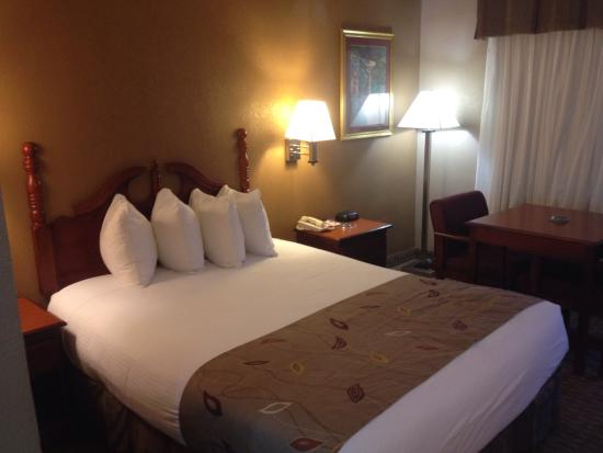 Best Western Catalina Inn: Beautiful clean room!! Love it ����