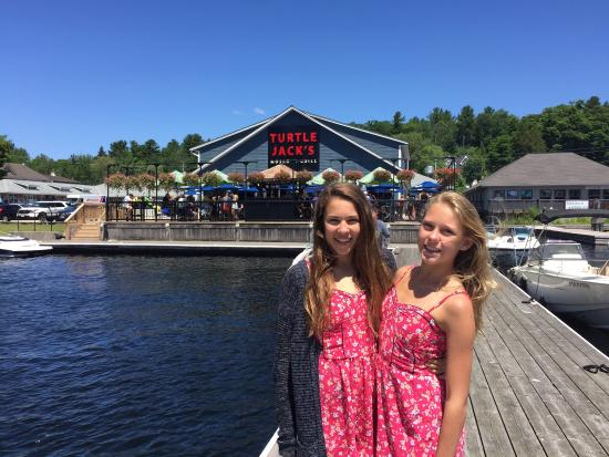 Turtle Jack's Muskoka Grill: Amazing views and atmosphere at the original turtle jacks