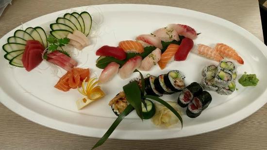 Sadsburyville, PA: Sushi Platter