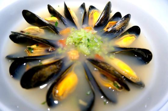 Fishful Season Restaurant