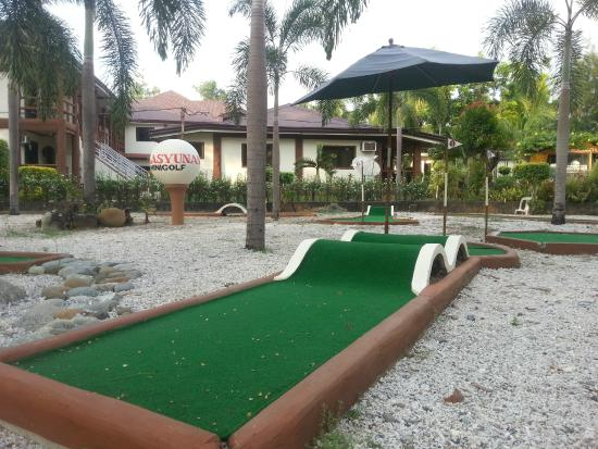 Bakasyunan and Conference Center: they have their mini golf area