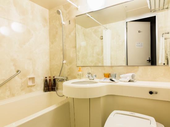Hotel Mets Kumegawa : 客室バスルーム