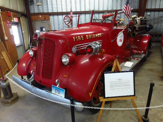 East Windsor, CT: 1945 Seagrave 500 GPM pumper