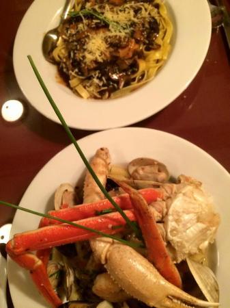 Bella Vita: Chef's Special Seafood Cioppino...Excellent!!