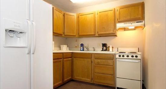 Crossroads Inn & Suites: Kitchen