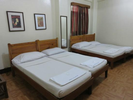 Baguio Village Inn Family Room For 4pax