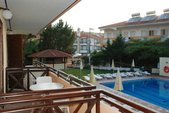 Petridis aparthotel bewertungen fotos preisvergleich for Appart hotel 45