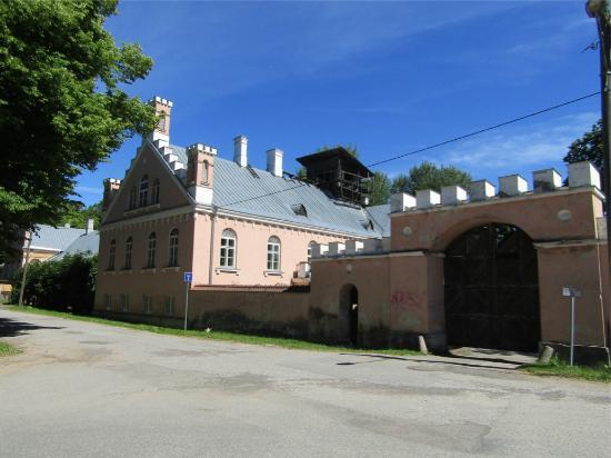 Karlova Manor