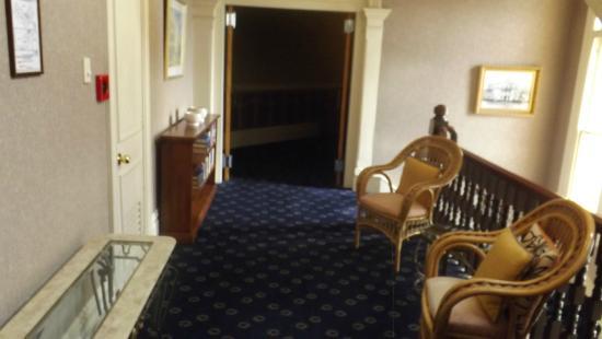 The Esplanade Hotel: Hotel Corridor