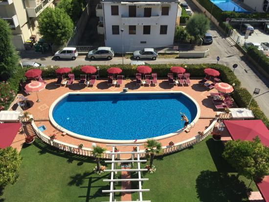 Hotel Apollo: Piscina